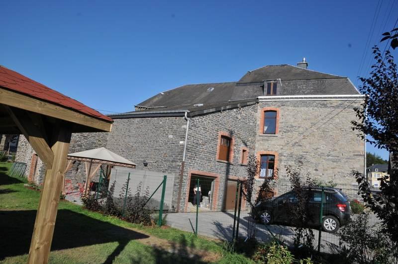 8 persoons vakantiehuis bij Bastogne Ardennen, rolstoelvriendelijk, sauna, bubbelbad