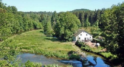 prachtig aan de rivier Semois gelegen 24 persoons groepsaccommodatie, bij Bouillon