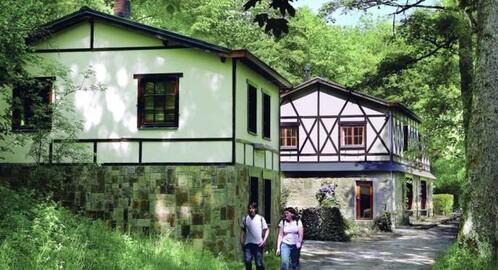 huur uniek gelegen groepsaccommodatie (in een natuur reservaat bij Marche) Ardennen